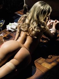 Pietra-Príncipe-pelada-nua-Revista-Playboy-Outubro-2013-13